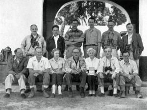 6-1.Expedición-hispano-británica-a-Doñana-de-1957.-Mauricio-González-Gordon-tercero-por-la-derecha.-Publicada-en-La-España-Inexplorada-1024x768
