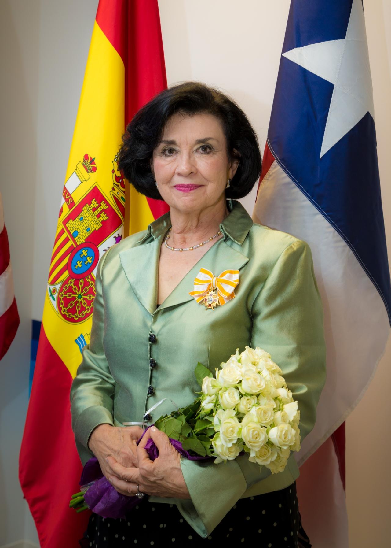 ¡Enhorabuena a nuestra colaboradora Mari Ángeles Gallardo!   Congratulations to our contributor Mari ÁngelesGallardo!