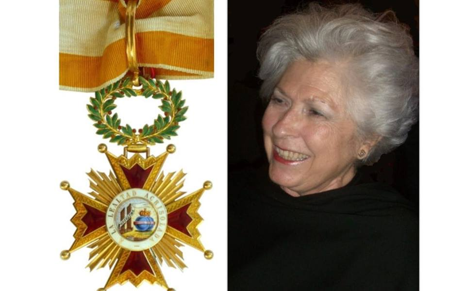 Encomienda de la Orden de Isabel La Católica a nuestra Sherry Explorer, Petra Rodríguez-Conde/ Our Sherry Explorer,Petra Rodríquez-Conde is awarded the Meritorious Medal of the Royal Order of Queen Isabella the Catholic